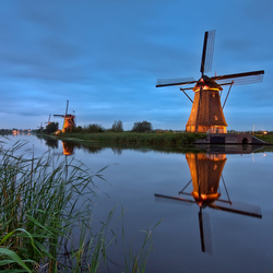 Kinderdijk painted by Light