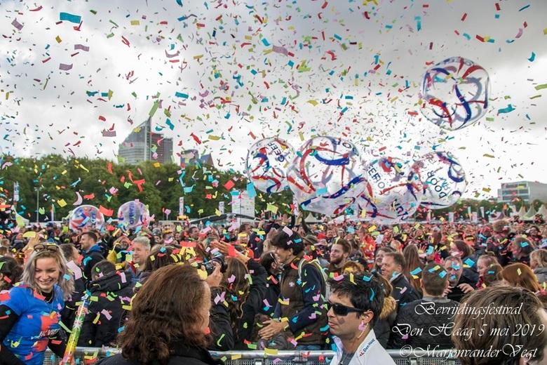 Bevrijdingsfeest Den Haag - Het was &#039;n geweldig feest.<br /> Lieve groeten,<br /> <br /> Marjon<br /> <br /> p.s. Hartelijk dank voor alle r