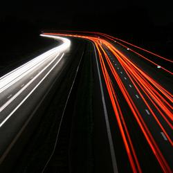 Snelweg bij avond