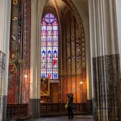 Fotografie in de Onze Lieve vrouwekathedraal Antwerpen.jpg