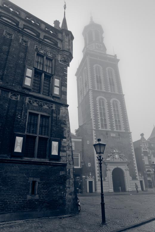 Monumentaal Kampen - Mijn woonplaats is de oude Hanzestad Kampen waar je bijna struikelt over de vele monumenten en historie. Het nadeel van in zo&#03