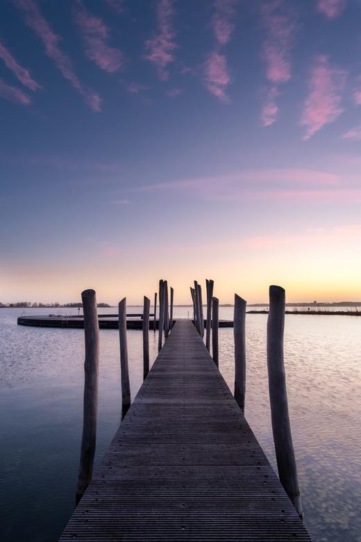 Lijnenspel - Wanneer de wolken (bijna) perfecte lijnen in je compositie vormen.