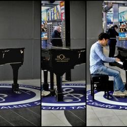 Muziek-Station . .