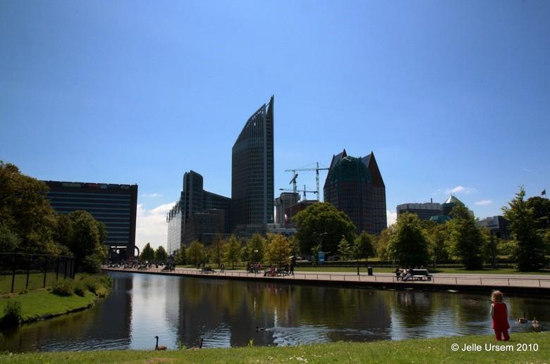 Skyline van Den Haag : Before the M - Nu het bij Den Haag CS zo'n epic zooitje is (er wordt zelfs al gegraven) wilde ik nog even op een mooie zom