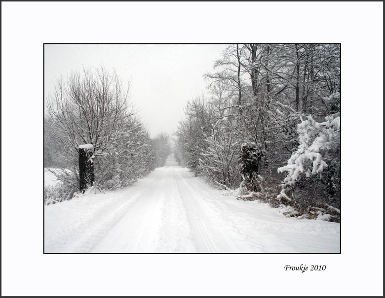 winter - Het dooit hier nu ook,bijna geen sneeuw meer te zien  ,toch nog maar een winters plaatje .<br /> Bedankt voor de leuke reacties op mijn vori