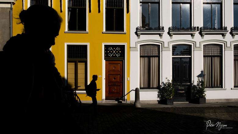 Pieterskerkhof, Leiden - Voor de liefhebbers: 1/500 bij F22 met iso 400. <br /> F22 slaat natuurlijk nergens op want je haalt niet echt het maximale