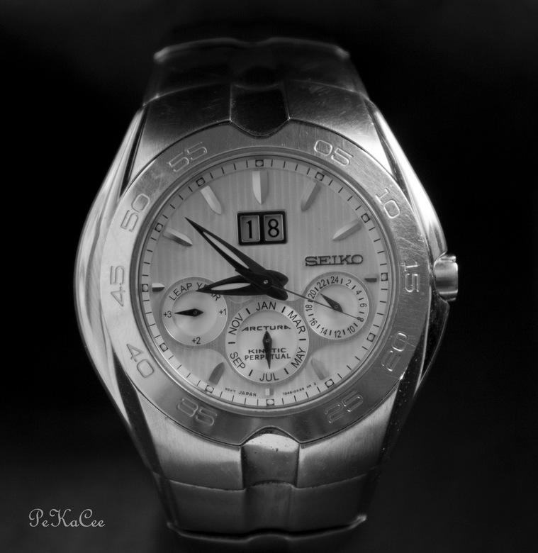Watch the watch - Ik heb geprobeerd om in zwart/wit de reclameglamour foto&#039;s te benaderen.<br />