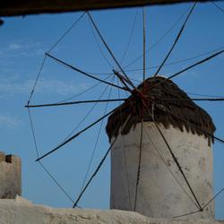 Griekse windmolen door kader