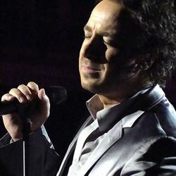 Marco Borsato tijdens (3D)imensies concert, 13 mei 2011. Penseelstreek!