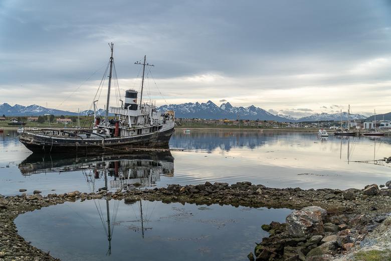 In de haven van Ushuaia - In december was ik op vakantie in Argentinië en deze foto is genomen in de haven van Ushuaia, de meest zuidelijke stad ter w