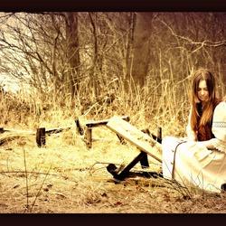 Meisje in het bos 2