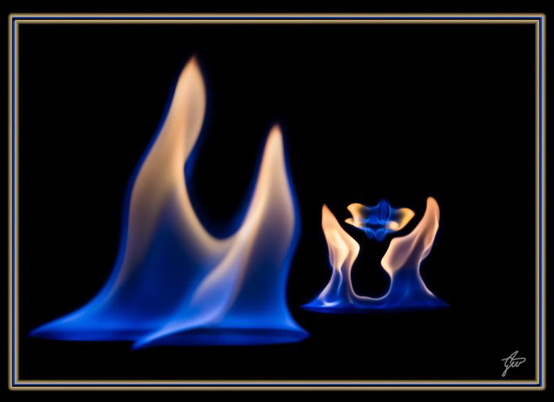 De gift van leven. - vlammen fotografie in een verhaaltje gegoten, combi van 3 foto's.