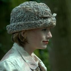 Dame met hoed.