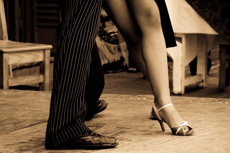 Tango - Overal in Argentinië zie je posters met foto's zoals deze, ongetwijfeld een stuk makkelijker als de dansers stil staan.