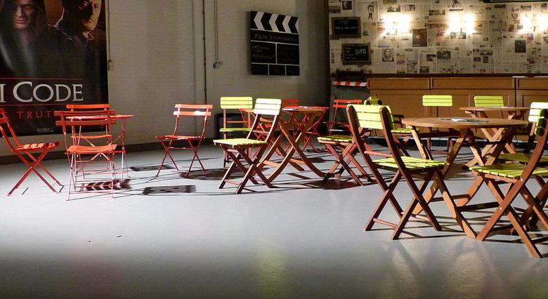 Stoelen  decor. - Open studio dagen op het mediapark Hilversum.<br /> <br /> 1 september 2012.<br /> Groetjes, Bob.