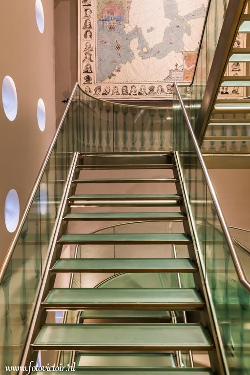 Hermitage trappenhuis - Bedankt voor de reacties op mijn vorige serie. Nu een serie van Amsterdam en een deel van de lightshow. De hele serie is te zi