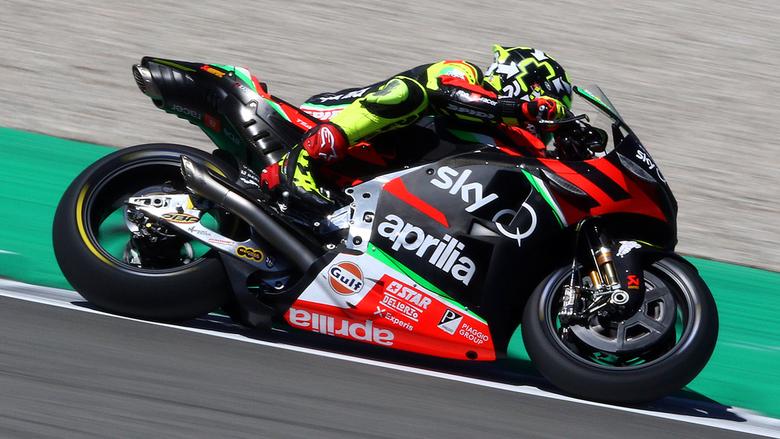 Andrea Iannone-027 - Zien we Andrea Iannone nog terug op deze mooie Aprilia.