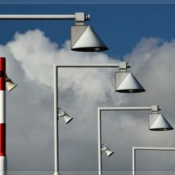 Stroobos... Lampen op een brug (verbeterd)