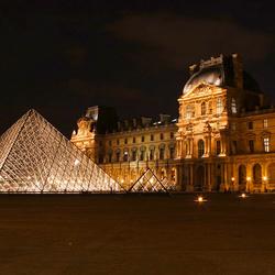 het Louvre oud en nieuw samen