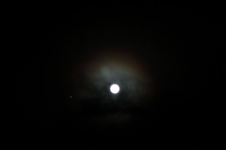 De maan 29 (3).JPG - De maan,met ster.