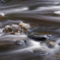 Stenen in de Rur