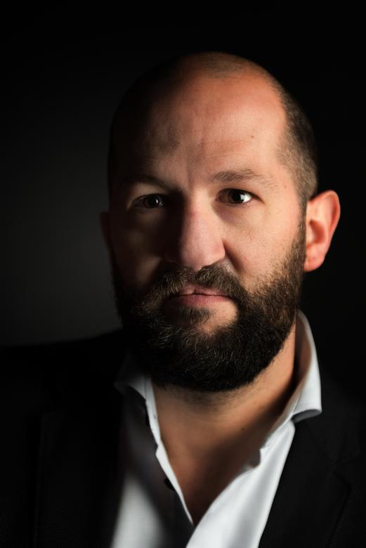 portretfoto headshot ©stefboey - portretfoto voor een professor zijn boek