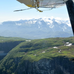 Alaska vanuit een klein watervliegtuigje
