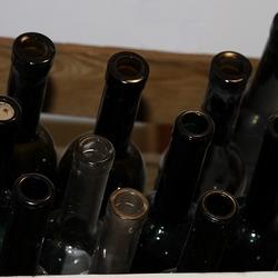 flessen in kist a.jpg