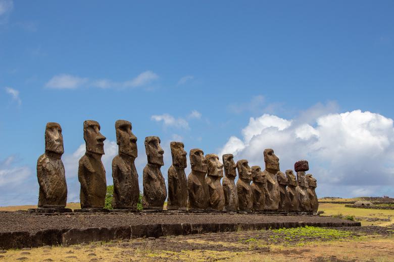 Ahu Tongariki, Paaseiland - Ahu Tongariki op Paaseiland. Een platform met 15 moais