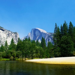 Half dome, in Yosmite National Park