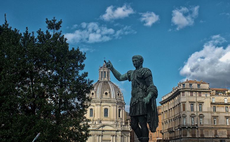 Balancing the Cross. - Rome.