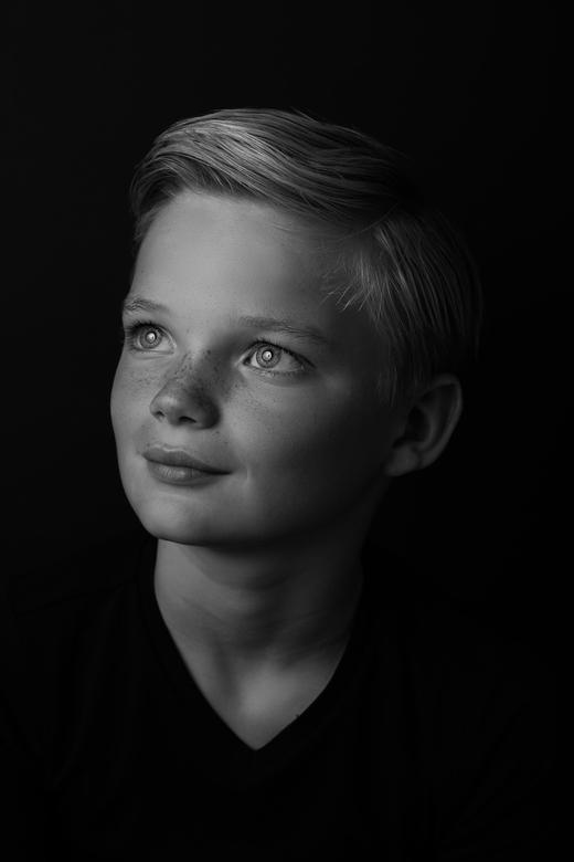 Zwart wit kinderportret -