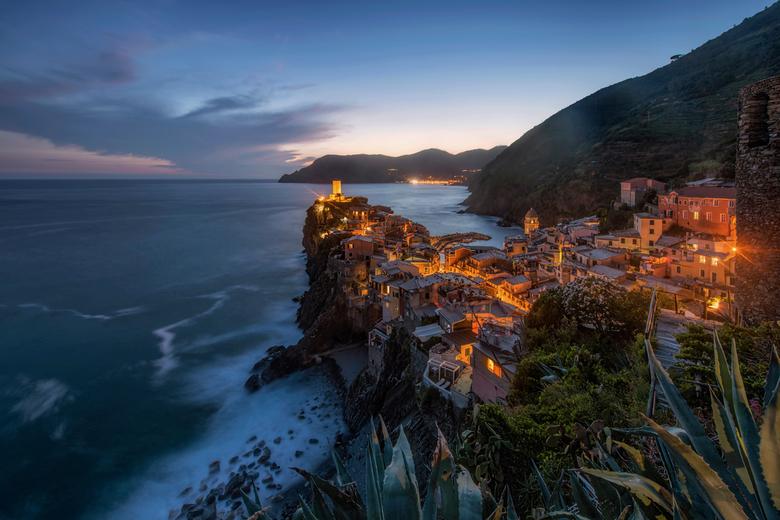 Vernazza lights - Avondje in Vernazza, Cinque Terre, Italië