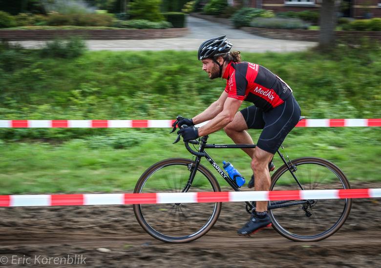Werken - Deelenemer aan een wedstrijd ihkv de Limburgcross