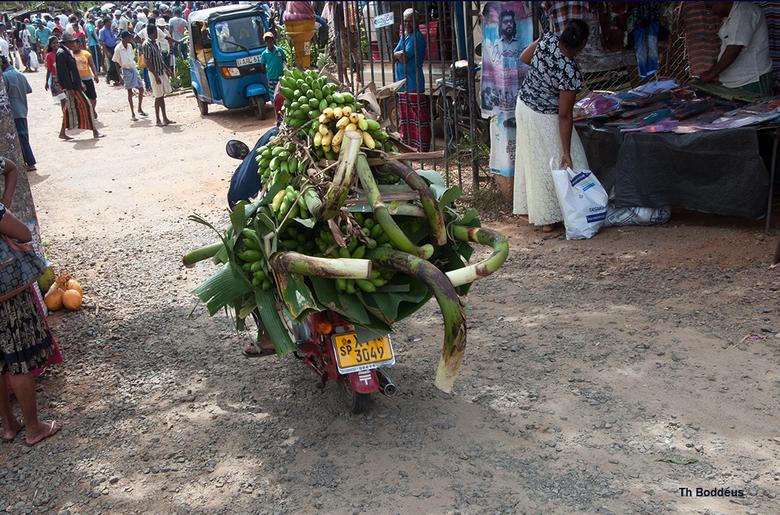 op de banaenmarkt 8 1903028237Rmw - en op weg met de handel