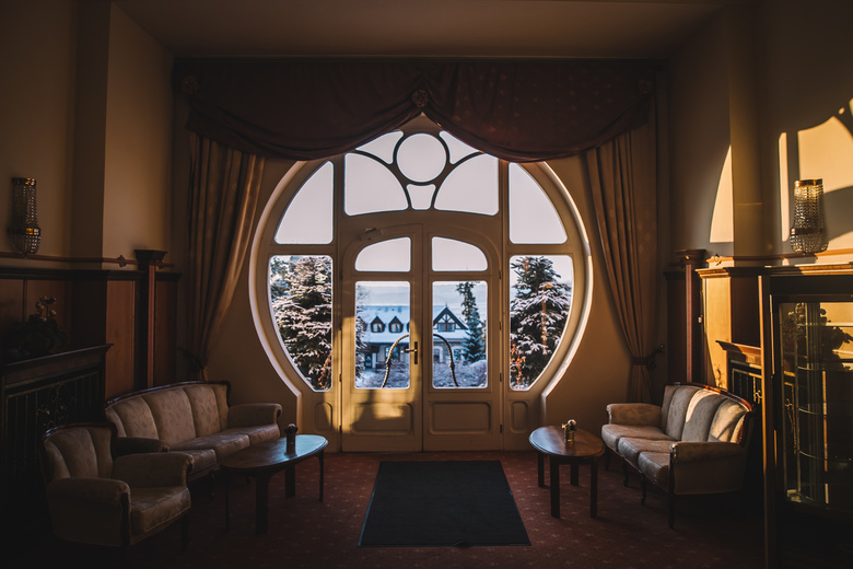 Grand hotel. - Gezelligheid.<br /> <br /> Volg me gerust op:<br /> https://www.facebook.com/ShotByCanipel/<br /> https://www.instagram.com/canipel