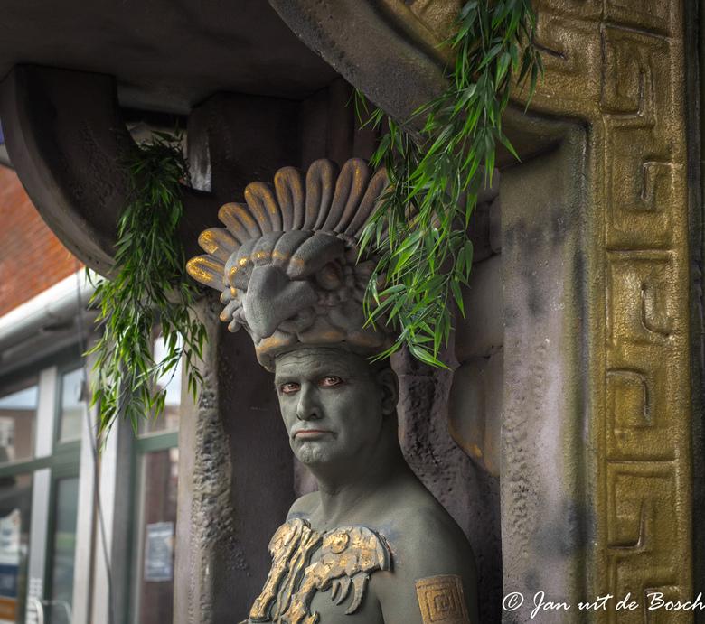 World Living Statues Arnhem  groot zien svp