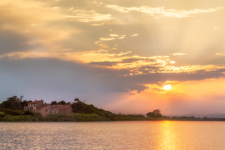 Sunset aan de Bourdigou - In deze periode met veel grijze dagen is het heerlijk even terug te kijken naar zonnige vakantiefoto's. Deze foto is net als
