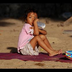 Luieren op het strand in Pattaya