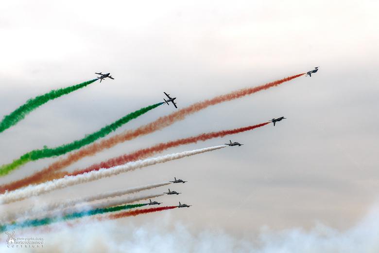 Luchtmachtdagen Leeuwarden 2016 - Eeen stel italiaanse luchtmachtpiloten van het 313e aerobatisch trainingssquadron (oftewel Le Frecce Tricolori) die
