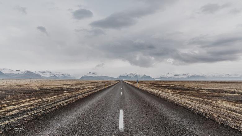 Not easy to get lost - Mooie streep door het landschap.<br /> <br /> Voor meer, neem gerust een kijkje op:<br /> https://www.facebook.com/ShotByCan