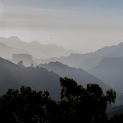 Gran Canaria 11 - landschap in het late middaglicht bij Tejeda