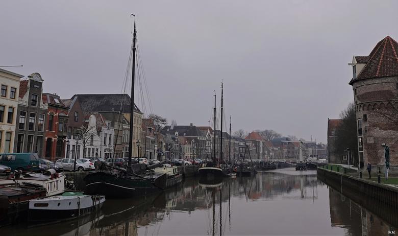 Thorbecke gracht in Zwolle - Afgelopen vrijdag mijn geboortestad bezocht. Het was een sombere dag helaas. Dit is de Thorbecke gracht.