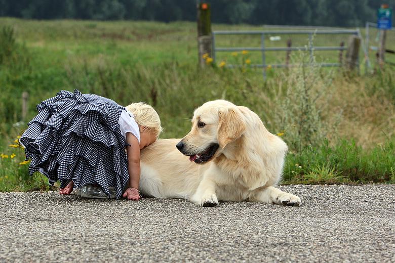 Vind je lief - Was bezig met een fotoshoot voor oud collega en Myrthe ging spontaan naar onze hond Sem, het zijn vaak de leukste en mooiste foto'