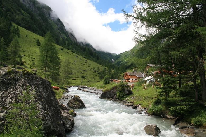 Zomers beekje in Oosterijk - Nog een foto van de vakantie in het soms zonnige Oostenrijk