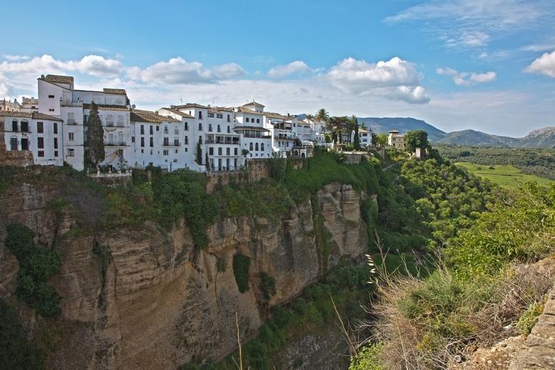 Spanje 41 - Gebouwd op de rand van de kloof.