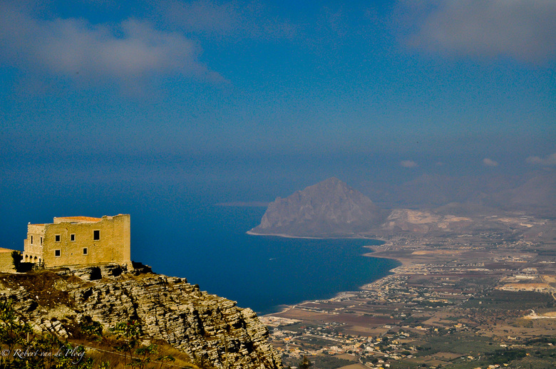 Bella Vista - Uitzicht op natuur reservaat Monte Cofano vanuit Erice (Sicilie)