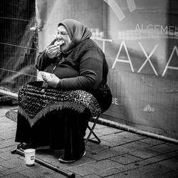 Dubbel contrast in deze straatfoto in Gent...