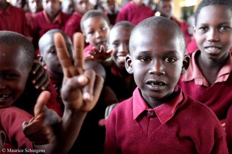Kenia - School kinderen in een Keniaans dorp