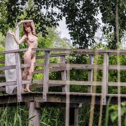 op het bruggetje